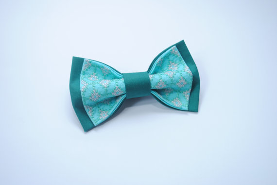 Boda - Bow tie Embroidered bowtie Spa jade colours Bow ties for men Wedding in jade Bridesman style Mens bowties Gift ideas him Mens clothing Ties