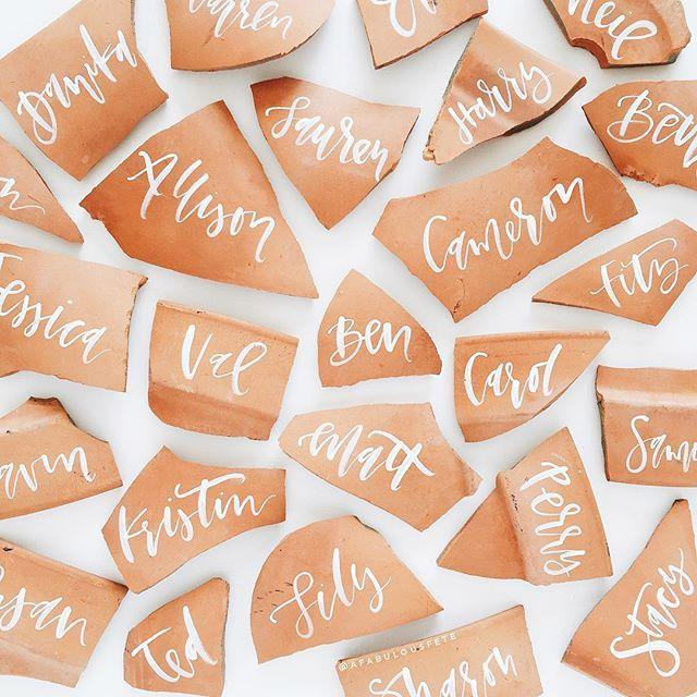 """Mariage - Lauren Saylor On Instagram: """"i Broke A Pot... So Naturally, I Made Place Cards Out Of The Pieces."""""""