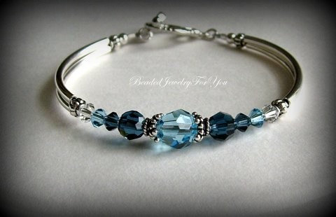 Hochzeit - Bridesmaid Bracelet: Wedding Jewelry, Wedding Bracelet, Bridesmaid Jewelry, March Birthstone, Bridal Party Gift, Mother of Bride, Bride