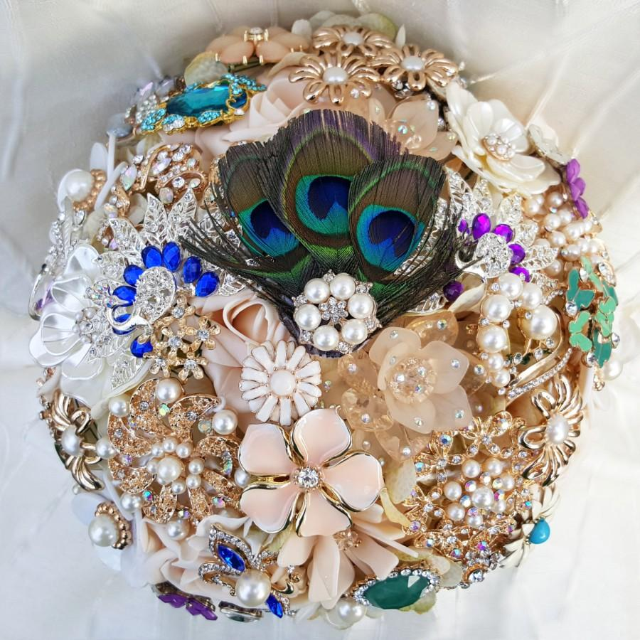 Свадьба - FULL PRICE Brooch Bouquet Champagne and Peacock Feathers Purple Teal Green Blue Cream Gold Silver Ivory Crystal CUSTOM Bridal Broach Bouqet