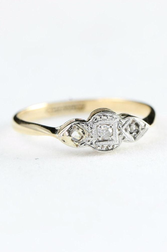 Свадьба - Edwardian 3 stone diamond trilogy ring in a platinum face and 9 carat gold shank