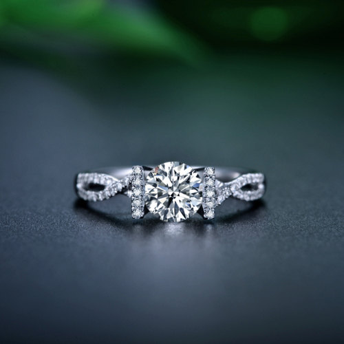 Mariage - Round Cut Twisted Diamond Engagement Ring 14k White Gold or Yellow Gold Art Deco Natural Diamond Ring