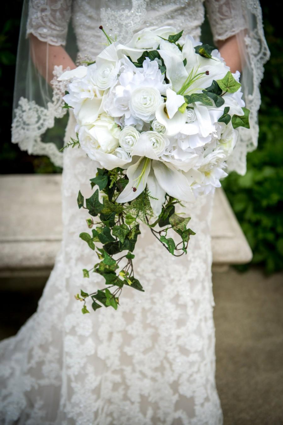 Свадьба - Luxurious fern and ivy cascade bouquet, lilies, ranunculus, peony, real touch calla lily, rose and hydrangea, boutonniere and bridal bouquet