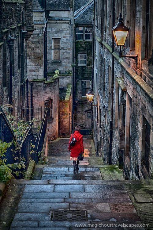 Свадьба - Blue Pueblo, Stairway, Edinburgh, Scotland  Photo Via Wil