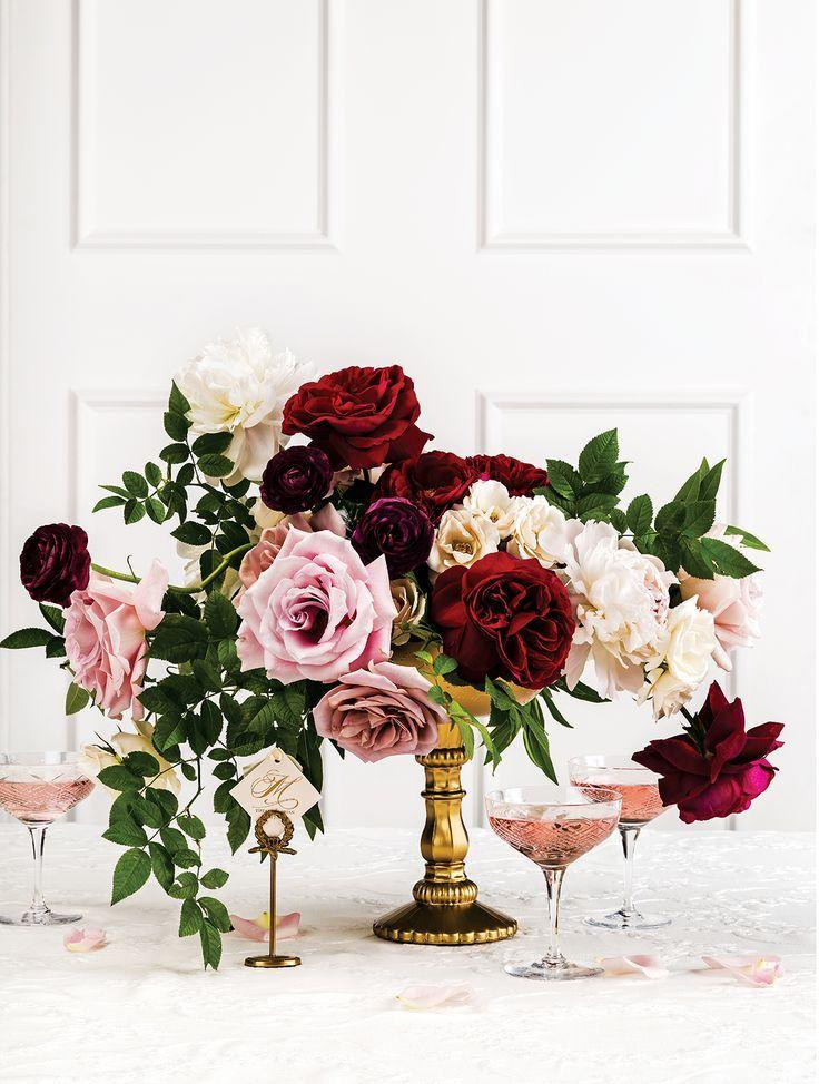 Burgundy Centerpiece Details : Autumn wedding flowers with burgundy details
