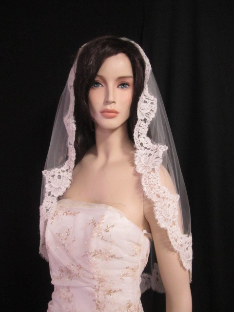 Wedding - 32 inches, bridal veil, wedding veil with 4 inch Alencon lace, French lace, lace veil  -  in white, light ivory, and ivory