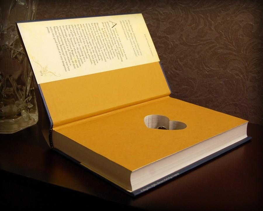 Mariage - Hollow Book Safe with Heart (The Princess Bride)