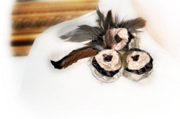 Свадьба - Rosettes Brooch Pin / Hair Comb, Brown Ivory Tan Golden Yoyo Flowers Floweretttes, Cream Chocolate Almond Pantone 2015, Chic Spring Fashion