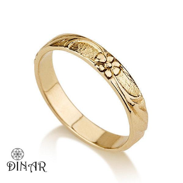 Wedding - Thin 18k Gold flower Wedding Band ring, yellow gold wedding ring ,Vintage wedding ring, flower engraved wedding band, Deliacte engraving
