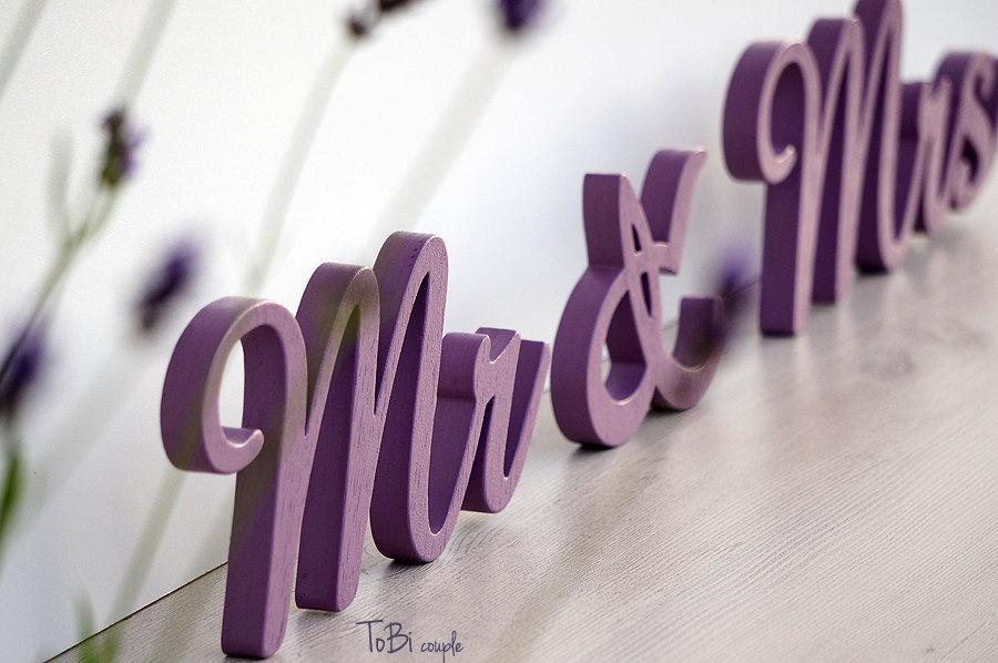 زفاف - Wedding Sign purple Mr & Mrs, Wooden letters table decor, Wedding gift