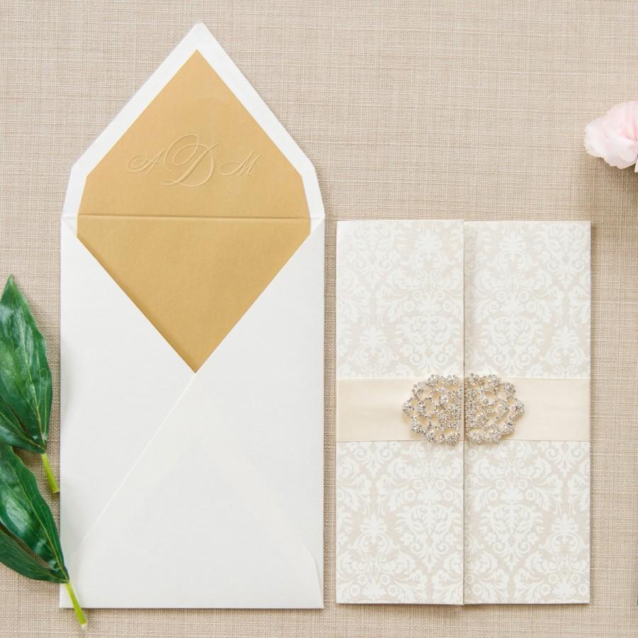 Hochzeit - Luxury Wedding Invitation, Monogram Invite, Damask Wedding Invite, Buckle Wedding Invitation - Alyssa Collection SAMPLE by Engaging Papers