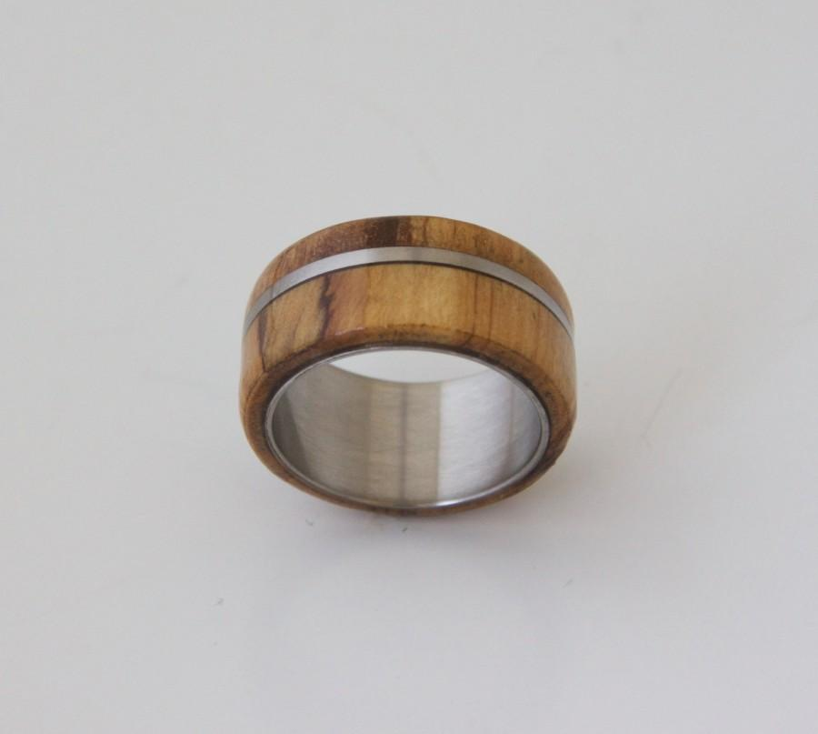 Hochzeit - olive & titanium // Mens Wood Ring WIth Titanium Ring Mens Wedding Band Silver Ring olive wood ring