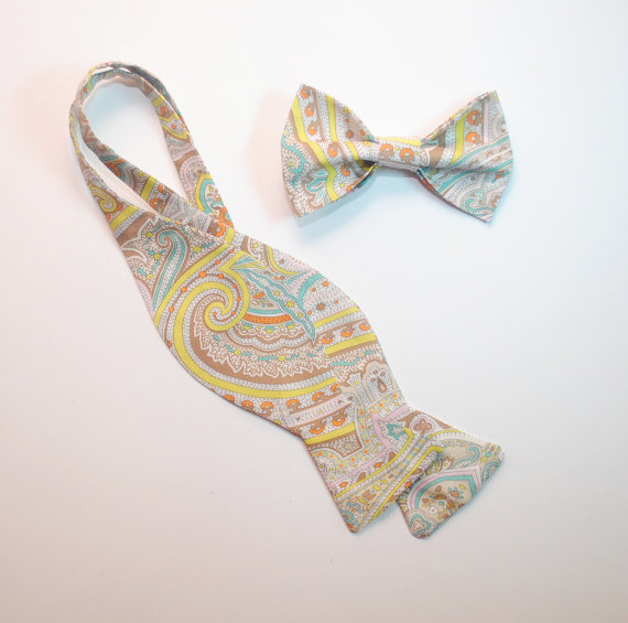 Wedding - Men's ties Paisley freestyle and pre-tied bow ties Wedding bow ties Cravates de mariage Hochzeits querbinder Men's gifts Groomsman bow ties