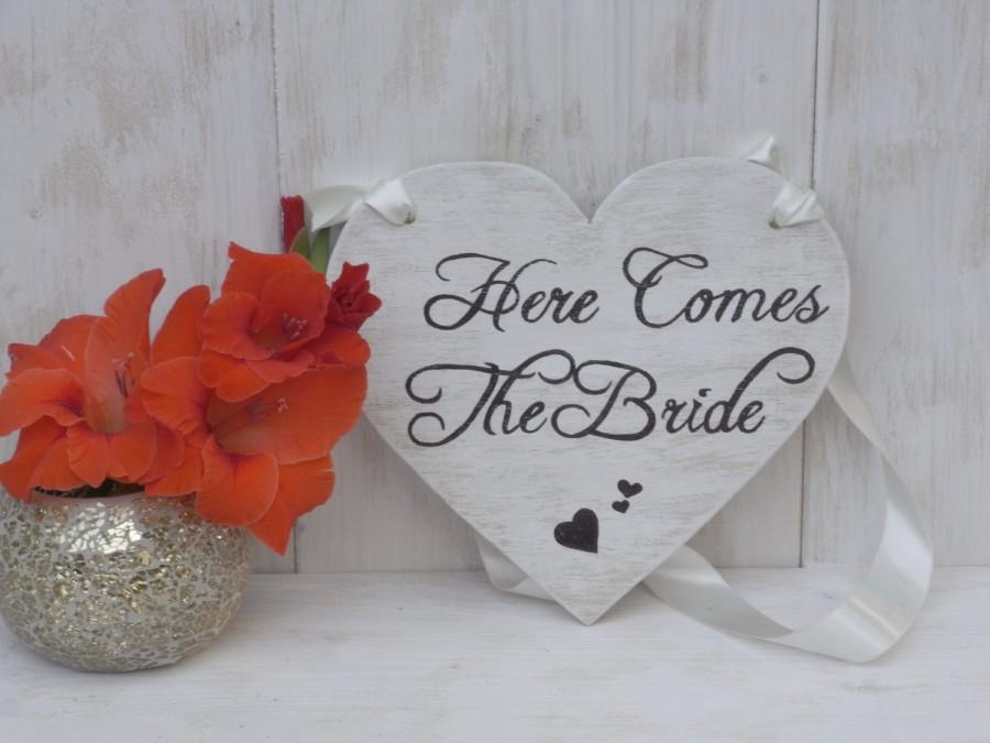 Mariage - Here Comes The Bride Sign Heart Chair Signs Photography Props Rustic Wood Wedding Ring Bearer Flower Girl