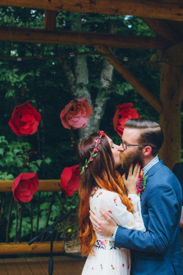 Hochzeit - Whimsical Glam Londonderry, Vermont Wedding In The Woods
