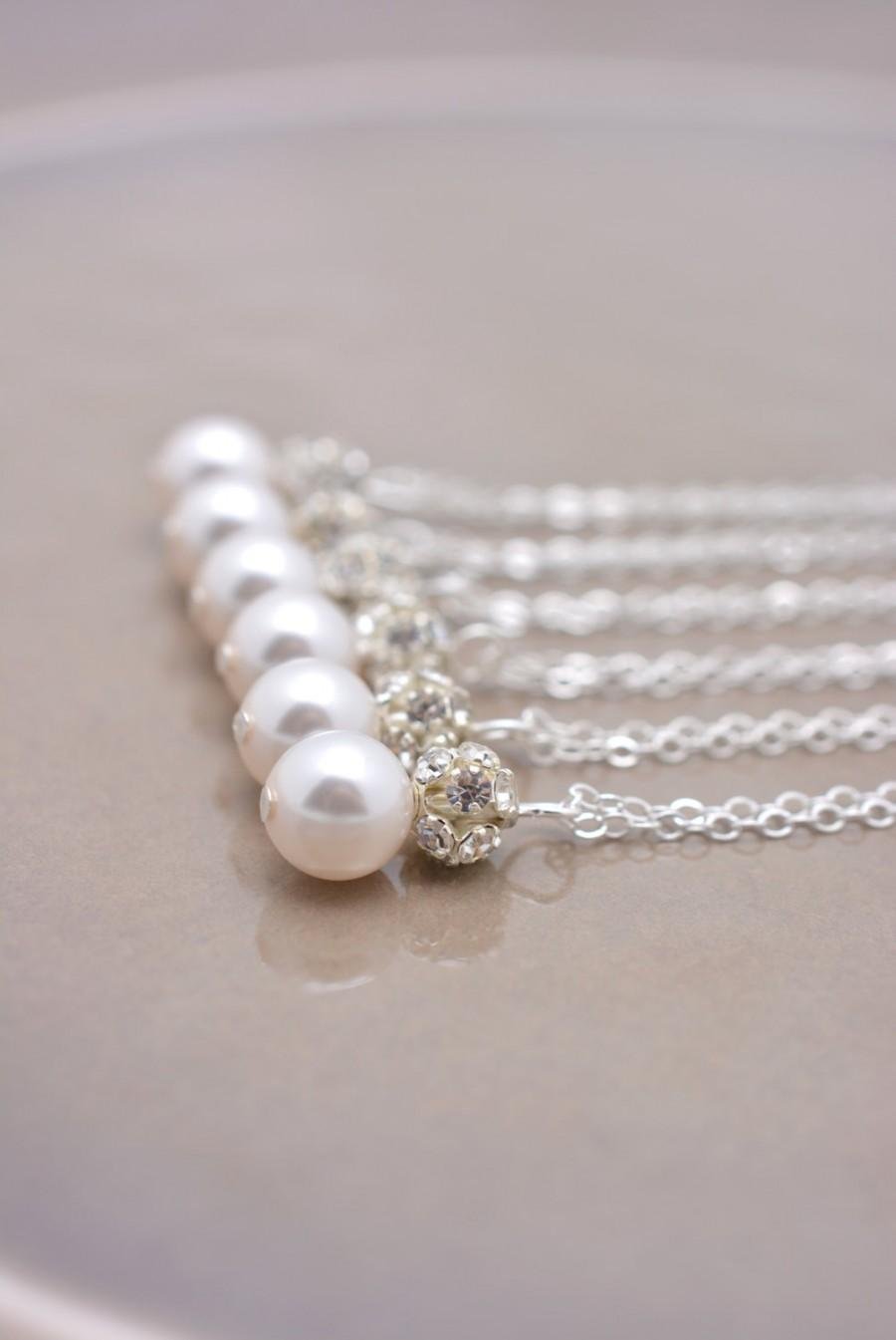 Свадьба - Set of 5 Bridesmaid Necklaces, 5 Pearl and Rhinestone Necklaces, Pearl and Crystal Necklaces, Bridesmaid Pearl Pendant Necklaces 0192