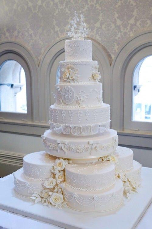 Hochzeit - Beautiful Wedding Cakes Throughout Our World