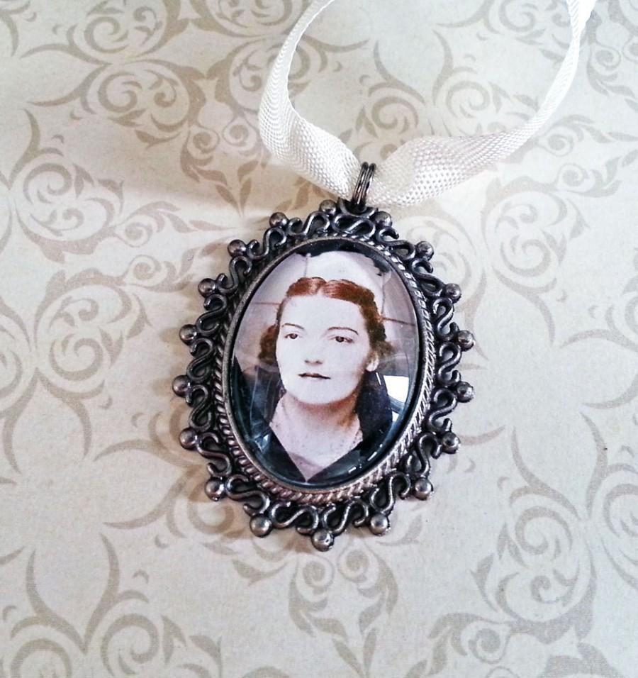 زفاف - Wedding Bouquet Charm, Memorial Pendant, Bridal Charm, Picture Frame Charm, Personalized Jewelry, Antique Silver, Oval Photo Charm