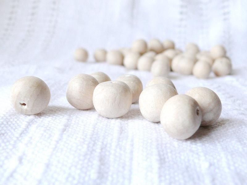 زفاف - 15 mm Natural wooden beads 50 pcs - eco friendly r15mm
