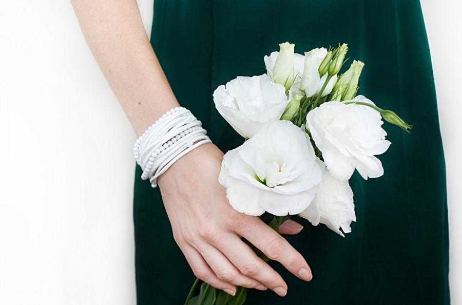 Hochzeit - White wrap bracelet with cacholong beads Feminine suede bracelet Multi strand Gemstone stacking bracelet Wedding jewelry Bridesmaid bracelet