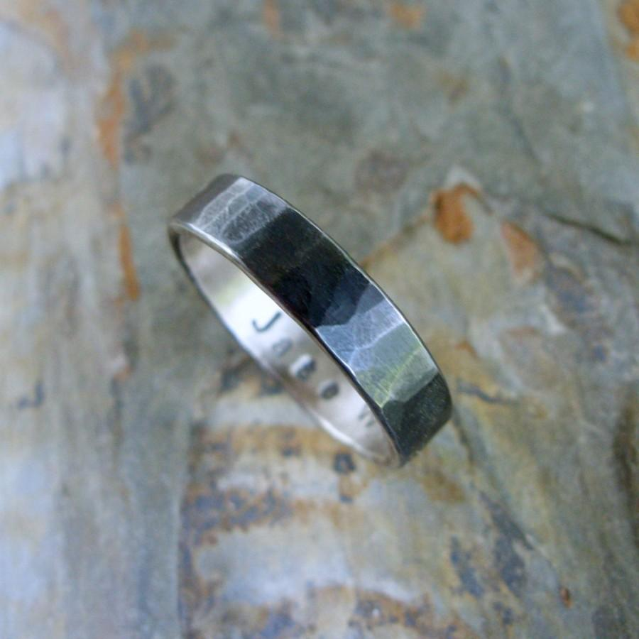 Свадьба - Hammered Blackened Silver Wedding Band with Personalized Inscription - Sterling Silver Commitment Ring for Men or Women - Flat Band Ring