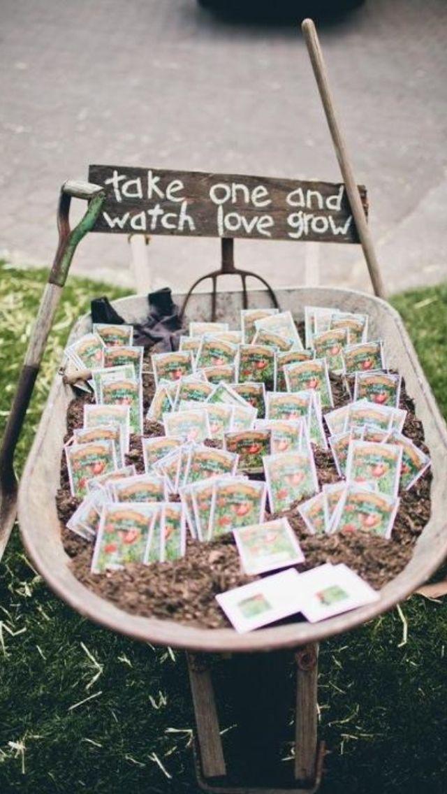 زفاف - A Fun Little Place Setting To Keep Kids Occupied At The Reception: Books And Crayons