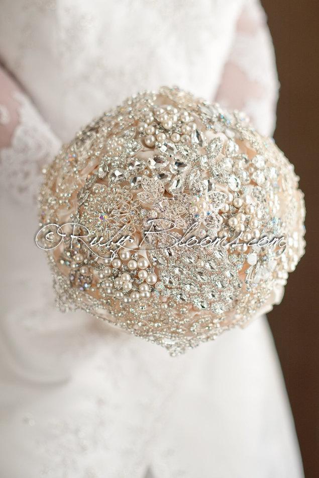 """Boda - Pearl Brooch Bouquet. Crystal Wedding Brooch Bouquet. """"Glamour Romance """" Heirloom Bridal Broach Bouquet. Silver Brooch Bouquet, Ruby Blooms"""