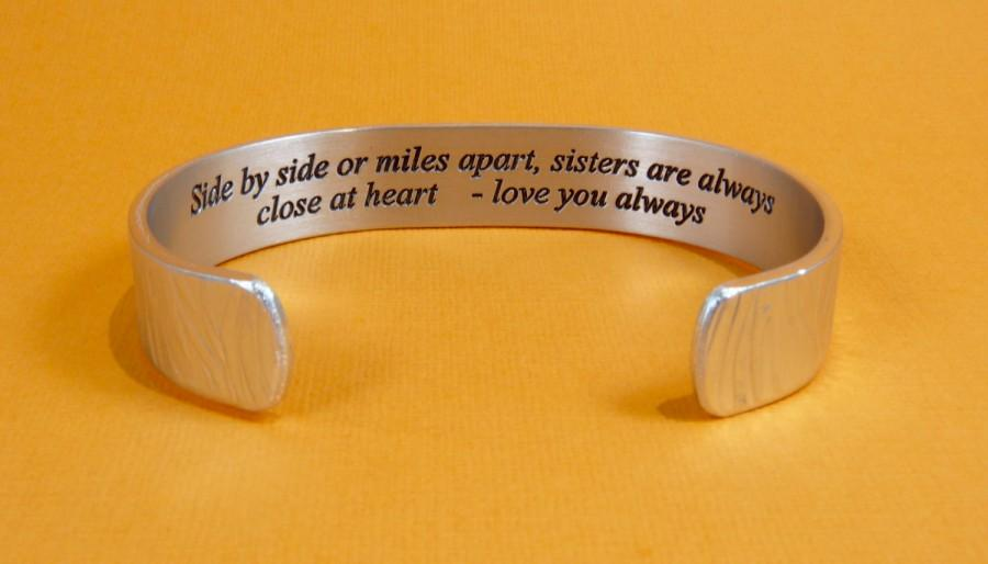Mariage - Sister to Sister Gift - Side by side or miles apart, sisters are always close at heart... - Maid of Honor Gift / Bridesmaids Gifts