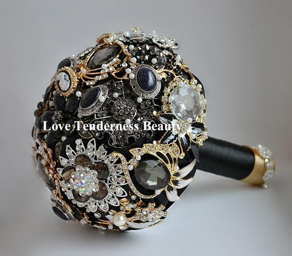 "Hochzeit - SALE!!! 7"" Black Brooch Bouquet, Black and Gold Silver Wedding Bouquet, Bridal Bouquet, Jewelry Bouquet, Crystal Gothic Wedding Bouquet"