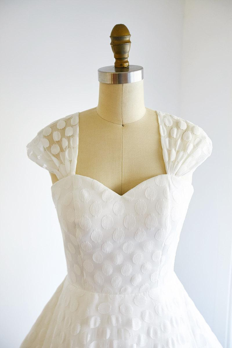 Vintage cap sleeves polka dots lace wedding dress short for Tea length lace wedding dresses cap sleeves