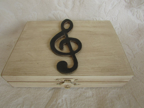 زفاف - Music Themed Rustic Ivory Stained Aged His Hers Divided Wedding Ring Bearers Box