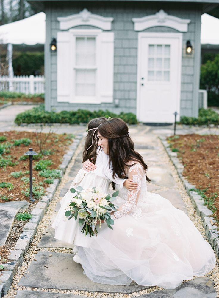 Hochzeit - A Cozy Inn Wedding That Would Make Any Gilmore Girl Jealous
