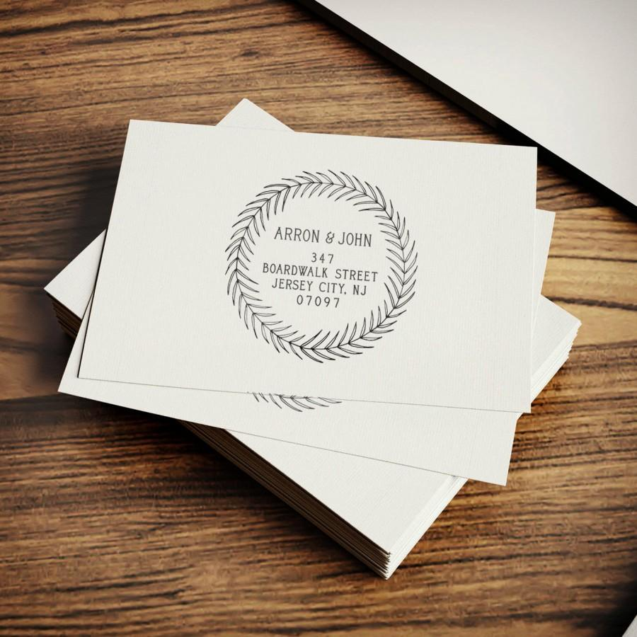 Mariage - Personalized Address Stamp, Holiday Stamp, Custom Stamper, DIY Addressing, Housewarming, Wood Mounted, Rubber Stamp, Wreath, Versatile Stamp