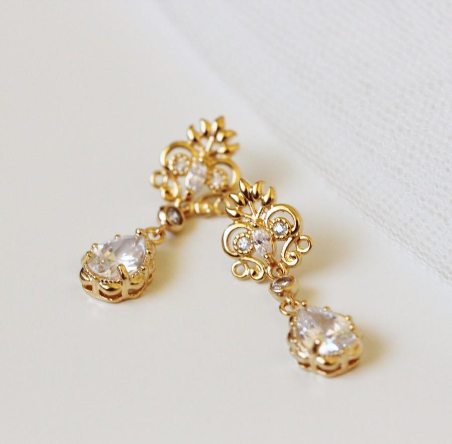 Gold Bridal Earrings Vintage Style Wedding Jewelry Delicate Filigree Teardrop Mother Of The Bride Gift For Mom