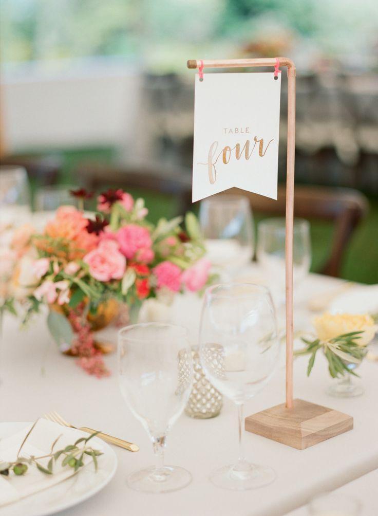 Mariage - Blogger Bride Jessye Of City Tonic's Colorful DIY Wedding