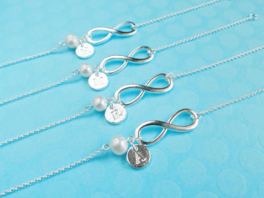 Свадьба - bridesmaid gift,sterling silver Infinity bracelet,bridesmaids gift pearl bracelet,Personalized bracelet,initial bracelet,bridesmaid bracelet