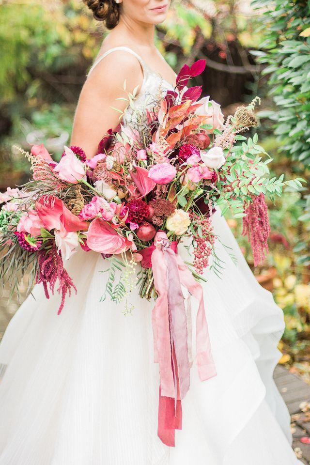 زفاف - Berry Bridal Bouquet