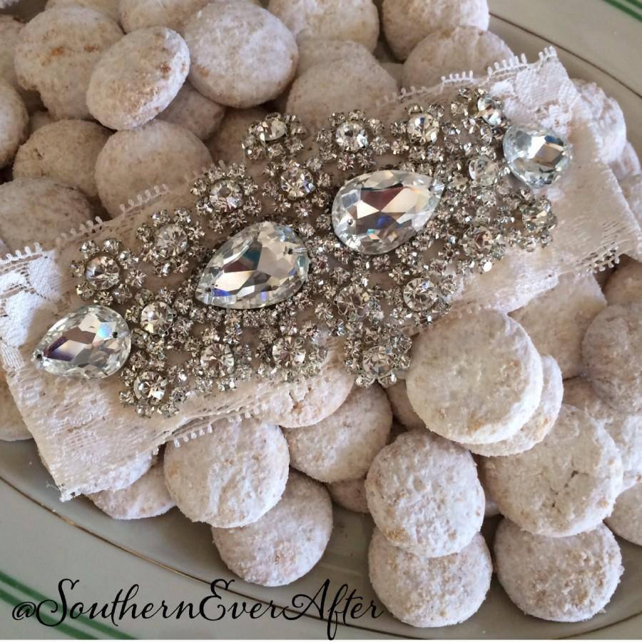 Свадьба - Vintage Inspired Princess Garter Set / Wedding Garter / Rhinestone garter / Something Blue wedding garter / Shabby Chic