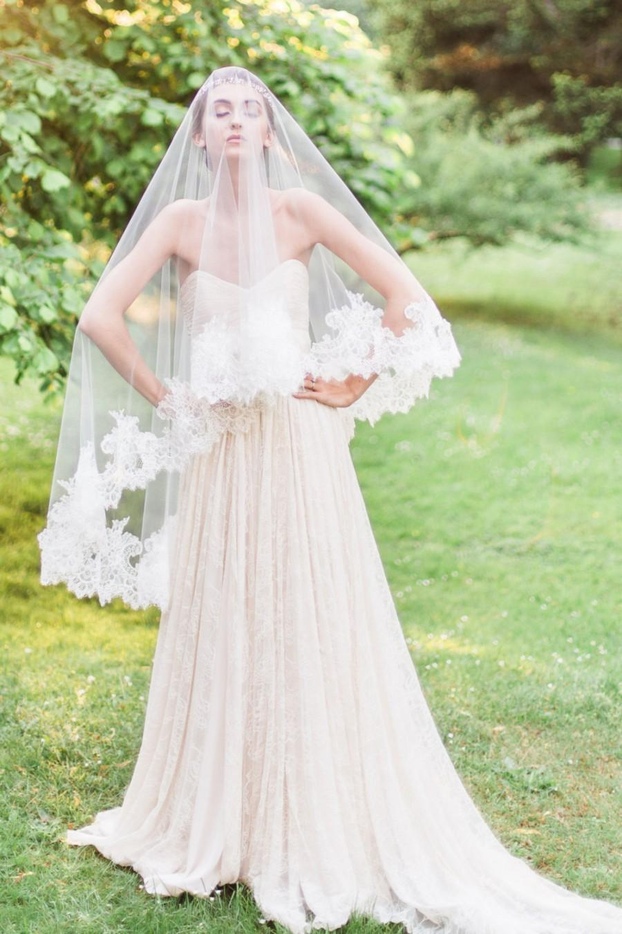 Свадьба - Cassia Chantilly Lace Fingertip Veil, Chantilly Lace Veil, Fingertip Veil, Double Layer Veil, Lace Veil, Veil with Blusher