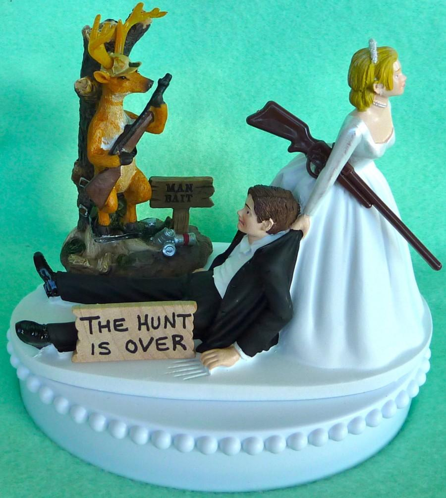 Wedding Cake Topper Deer Hunting Man Bait Themed W/Bridal Garter