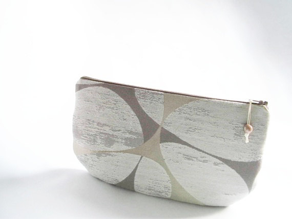 Mariage - Gift Purse for Bridesmaid Proposal, Beach Wedding Clutch Bridesmaid, Mini Geometric Purse for Her, Silver Glitter and Tan Clutch Wallet