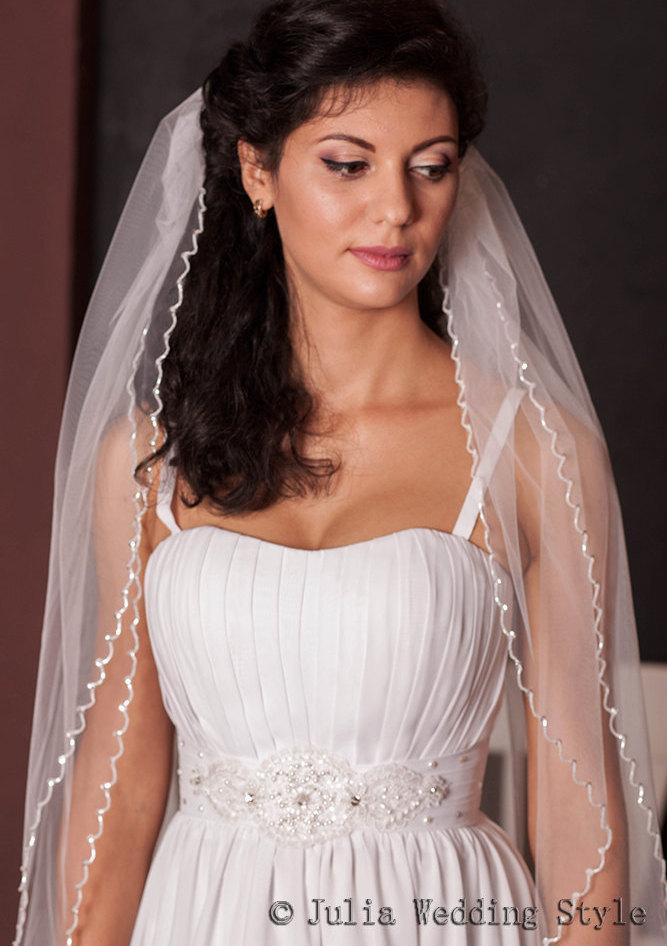Mariage - Beaded veil,floor length veil,long veil,2 tier veil,white tulle veil,Wedding Beaded Edge veil,classic veil,full veil,Elegant Wedding Veil