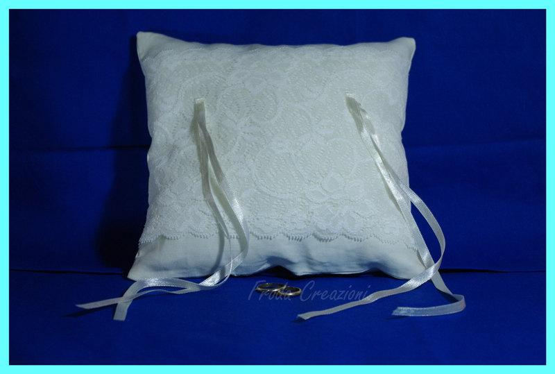 "Mariage - Wedding  Ring Pillow - ""Elegant Lace"""