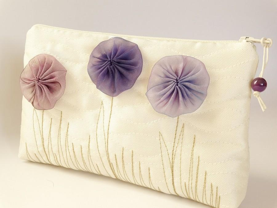Mariage - Flower Girl Wedding Gift Bag,  Ivory Clutch with Purple Flowers, Romantic Coin Purse for Girl, Mother Daughter Handbag