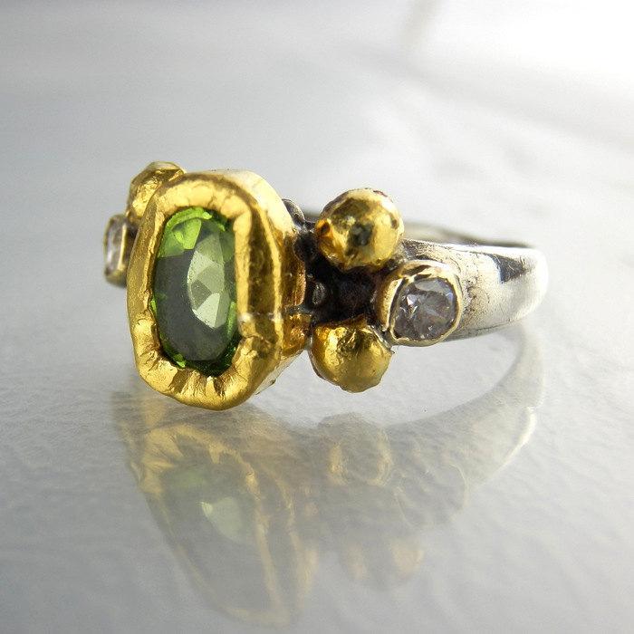 Mariage - Peridot Engagement Ring, Diamond Ring, Peridot Jewelry, Alternative Engagement Ring, August Birthstone, Green Peridot Jewelry, Peridot Ring