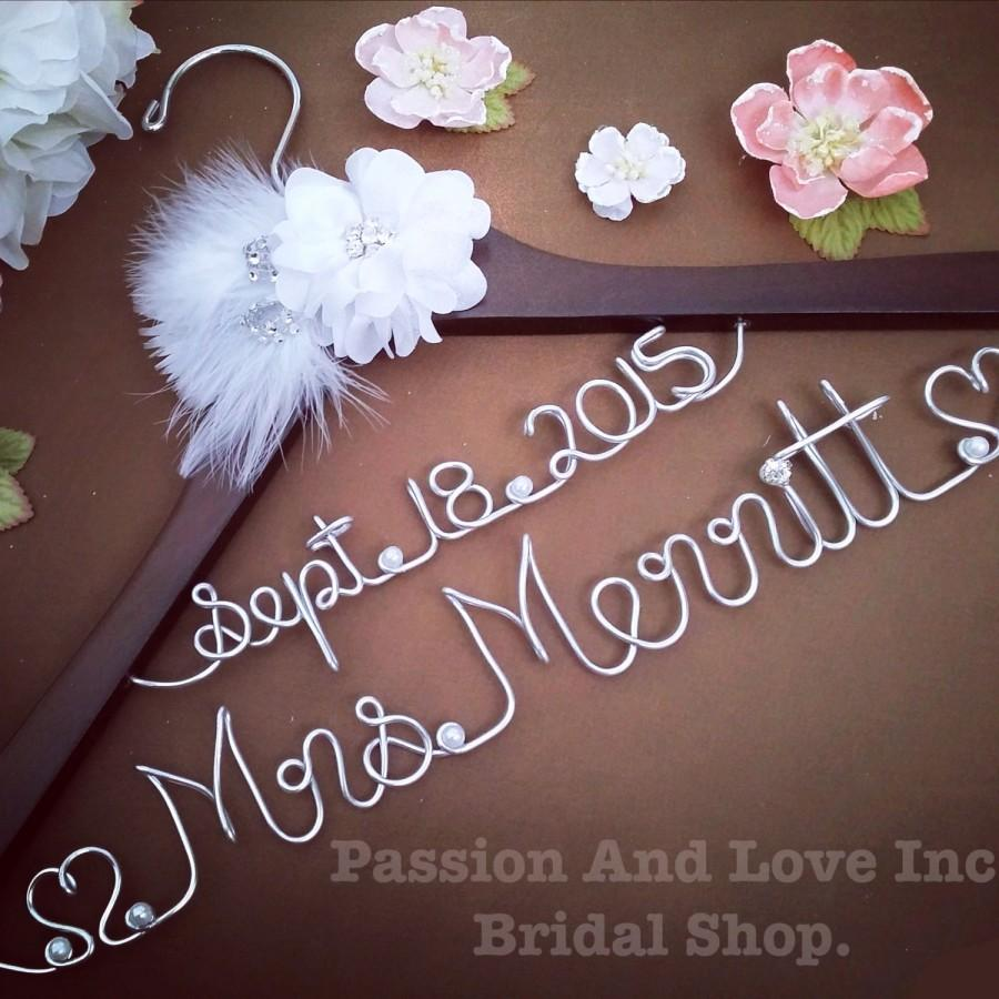 Mariage - Personalize Wedding Gown Hanger-Bridal Hanger-Name Hanger-Unique Hanger- Heirloom- Choose your favorite- Customize yours today