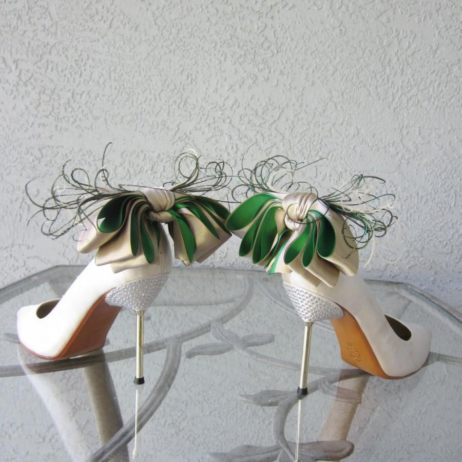 زفاف - Nude And   Kelly Green Satin Ribbon Bow And Feather Shoe Clips