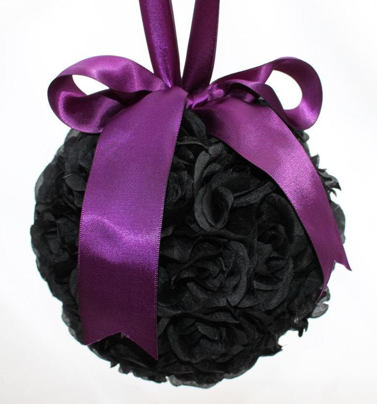 Свадьба - SALE Black and Purple Rose Pomander