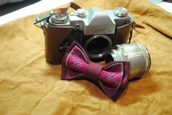 Свадьба - Burgundy gray EMBROIDERED bowtie Purple Burgundy pattern Can be made by order in other shades of burgundy or purple colours Wedding bow ties