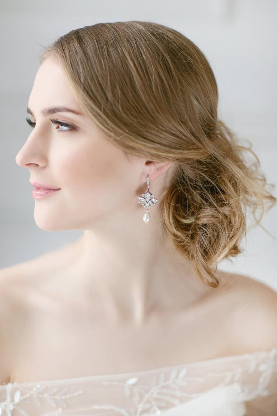 Mariage - Bridal Earrings , Wedding Pearl Earrings, Bridal Jewelry , Dangle Pearl Earrings , Teardrop Earrings ,White Opal Swarovski Earrings, Vintage